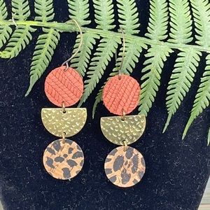 ⭐️Adorned Crown leather hammered brass earrings
